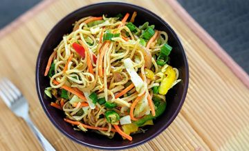 Veg Hakka Noodles meal kit and recipe from EatSure